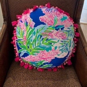 Lilly Pulitzer Fan Club Navy Pillow- NWOT